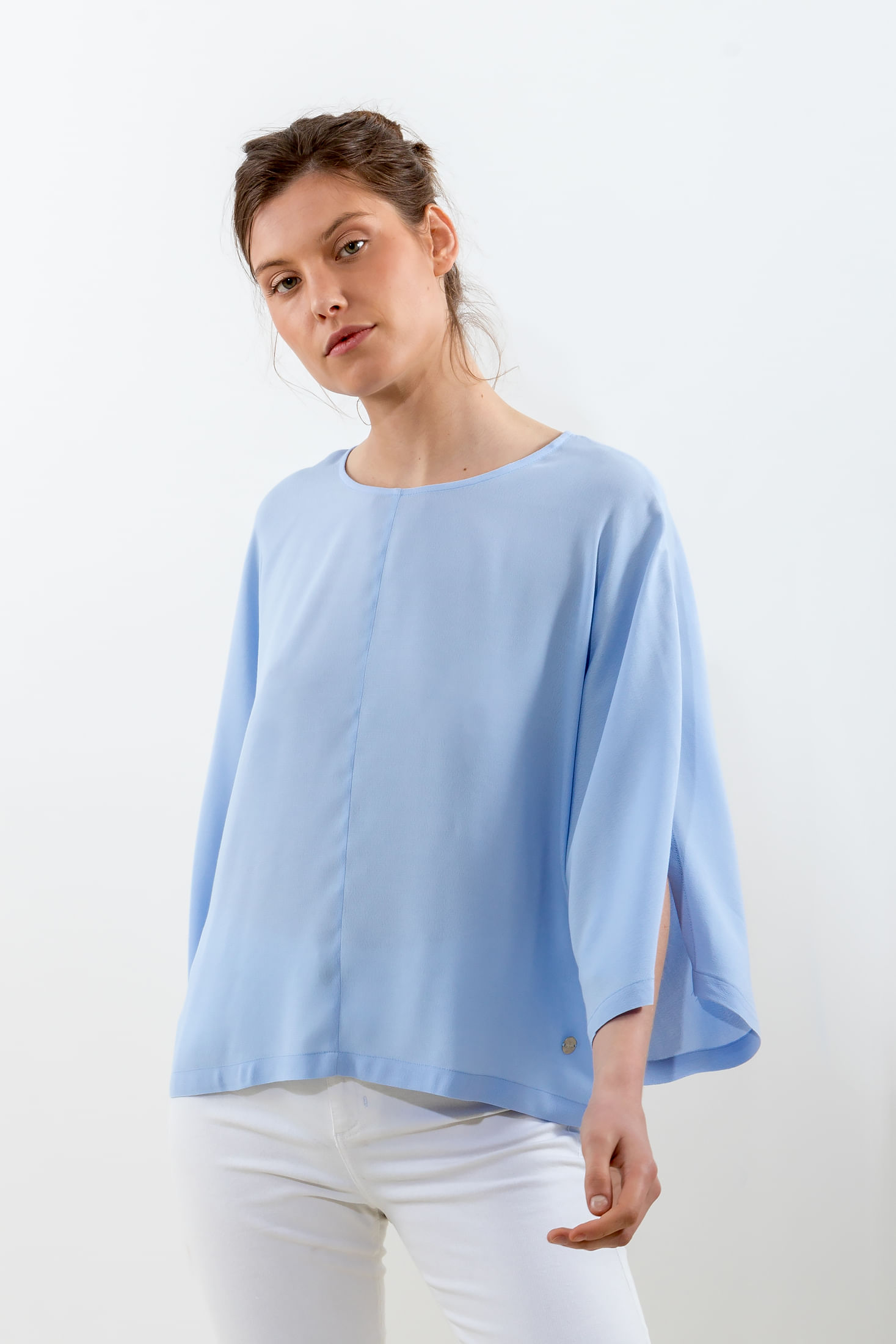 REMERON-CON-MANGAS-¾-ABIERTAS-CREPPE-LT-BLUE